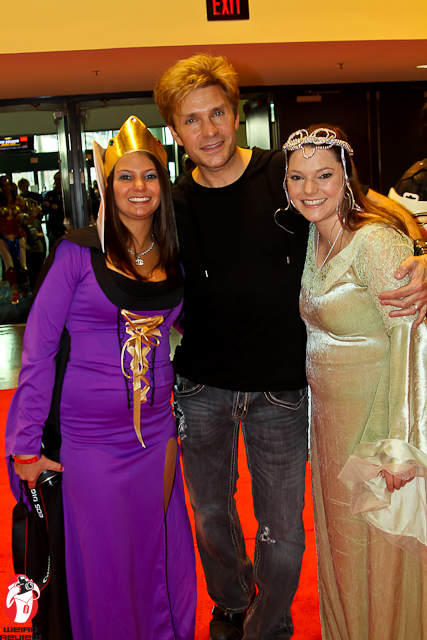 Vic Mignonga and a couple fans at Wizard World New Orleans