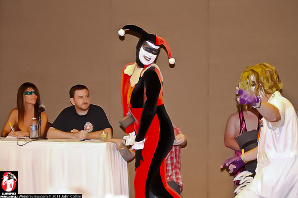Mike Holman judging the WIzard World Comic Convention 2012 Costume Contest